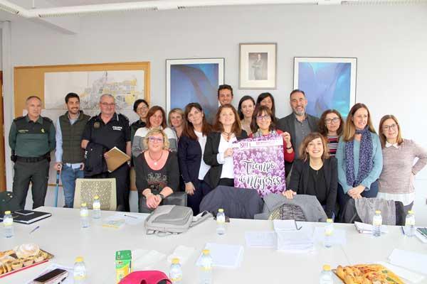 Reunió a Ibi per a constituir la Taula Local matèria de violència de gènere